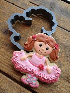 Ballet Soirée - Ballerina cookie by Cookie Cowgirl. Cookies For Kids, Fancy Cookies, Vintage Cookies, Iced Cookies, Cut Out Cookies, Cute Cookies, Basic Cookies, Sugar Cookie Icing, Royal Icing Cookies
