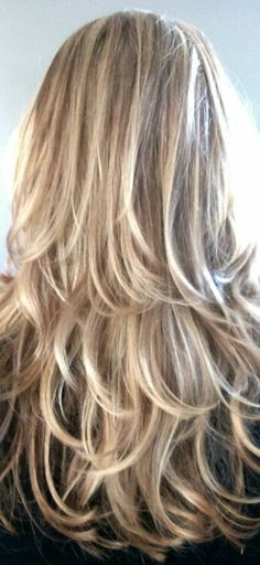New hair color highlights layers low lights Ideas Long Layered Hair, Long Hair Cuts, Layered Haircuts For Long Hair, Long Hairstyles With Layers, Hair Color Highlights, Blonde Color, Brown Highlights, Great Hair, Bob Hairstyles