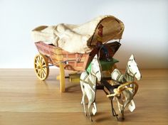 1940s Conestoga Toy / Covered Wagon Conestoga Wagon Tin Horse Toy / Northwestern…