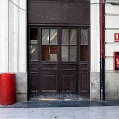 Closed door -Madrid