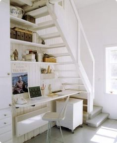 the stairs and shelf combo is good in this design -