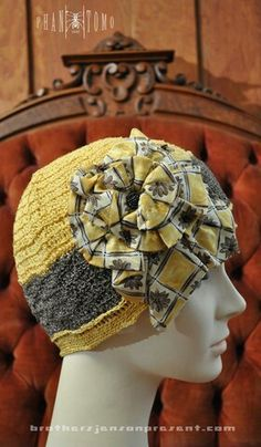 Yellow and gray cloche.