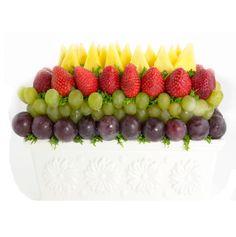 """Rayos de Luna""   Fresa, piña, uvas verdes y negras   35 €uros   @Fruristeria"