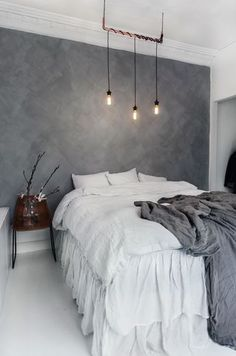 Whether you just moved into your new home or want to give a makeover to your old bedroom, need ideas to make your bedroom design stand out. So you want a modern bedroom but do not know where to sta… Home Bedroom, Modern Bedroom, Bedroom Decor, Bedroom Ideas, Grey Wall Bedroom, Master Bedroom, Bedroom Inspiration, Grey Bedroom Wallpaper, Bedroom Designs