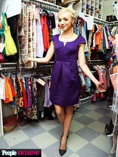 Peyton<3 luv her outfit <3