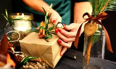 Sometimes the most meaningful gifts are the ones you make yourself. BBVA shares 6 DIY gift ideas that are sure to spread cheer this holiday season. Diy Holiday Gifts, Christmas Gifts, Green Christmas, Host Gifts, Everyday Activities, Donate To Charity, Meaningful Gifts, Etiquette, Giving