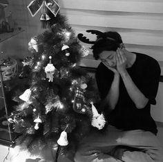 exo, chanyeol, and kpop image Christmas 2015, Christmas Morning, Christmas Pictures, Merry Christmas, Park Chanyeol Exo, Kpop Exo, Baekhyun, Exo Kai, Chanbaek