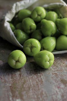 Green Water Apples