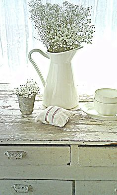 Shabby french for me: ~ French Farmhouse Table ~