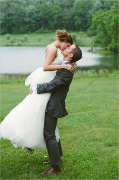 Simply casual wedding by a pond. Captured By: Ashley West Photography #weddingchicks http://www.weddingchicks.com/2014/10/10/simply-casual-wedding-day/