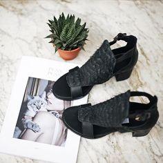 Miista Davinia Black Hair available online at miista.com ☀️ #sandals #miista