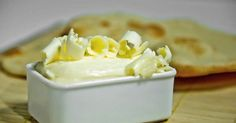 Homemade butter with Thermomix, an easy recipe, simple and fast for pr … - Easy Recipes & Healthy Cooking Classes Nyc, Cooking Supplies, Easy Healthy Recipes, Easy Meals, Milk Dessert, How To Make Dough, Thermomix Desserts, Homemade Butter, Homemade Recipe