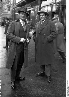 Hans Albers (links) und ein italienischer Tenor, 1924