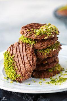 where baking rules Tea Cakes, Shortbread, Mochi, Biscotti, Macarons, Cookie Recipes, Dessert Recipes, Arabic Food, Arabic Dessert