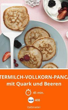 Buttermilch-Vollkorn-Pancakes - mit Quark und Beeren - smarter - Kalorien: 408 kcal - Zeit: 45 Min. | eatsmarter.de