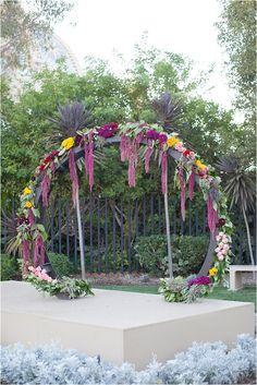 Ceremony Backdrops | Tuesday's Ten | The Big Fake Wedding