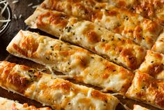 We have a delicious and healthy selection of low carb recipes for breakfast, lunch and dinner, as well as some tasty guilt-free snacks. Cauliflower Cheesy Bread, Cauliflower Breadsticks, Cheesy Garlic Bread, Cauliflower Recipes, Healthy Dessert Recipes, Low Carb Recipes, Breakfast Recipes, Bread Recipes, Recipe Patch