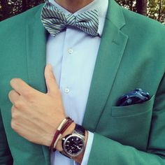 Bow Tie Blue, famous Spanish Blogger with pocket square and bow tie by SOLOiO.  http://www.bowtieblue.com/mfshow-men-dia-1-soloio-mirto-emidio-tucci-desde-mi-iphone