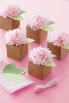 Tissue Paper Crafts Pom Pom Flower Favor Box by Favors and Flowers Tissue Paper Flowers, Diy Flowers, Tissue Poms, Flower Crafts, Flower Decorations, Tissue Paper Decorations, Tissue Paper Wrapping, Wedding Flowers, Paper Garlands