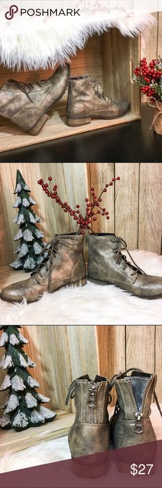 Gold Mossimo Supply Co. Combat Boots 🎄Gold toned combat boots 🎄Lace up front and zipper and back that opens to a piece of fabric that widens the ankle  🎄True to size; I usually wear 8 1/2-9 and these fit but just slightly too snug  💋DISCLAIMER💋 - Reasonable offers accepted on items not marked 'price firm' - 15% off on bundles of 2 or more items - I do not discuss prices in the comments, but feel free to ask any other questions🙂 Mossimo Supply Co. Shoes Combat & Moto Boots