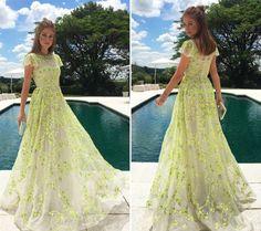 Inspiração para madrinhas: 10 vestidos de Marina Ruy Barbosa