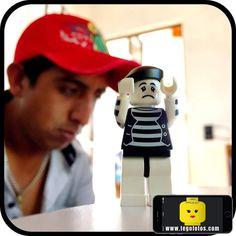 la cara de angustia!   www.legofotos.com 2015 Lego Fotos Fotografía: @PPlotzin  #suculentas y #deliciosas #fotos  #nikon #legophotography #legovideos  #disney #legostagram  #legominifigs #brickfans #creative #legos #bricks #art #bricknetwork #toy #build #creation  #minifigure #minifigures  #legoland  #ig_santanderes #mimo #angustia by legofotos_