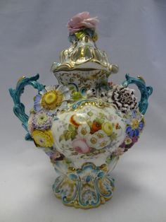 OnlineGalleries.com - Coalport Decorative Vase 'New Poperee, Raised Flowers'