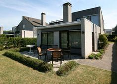 Ouddorp Zeeland, The Netherlands, accessible familyhome, at vacationparc include special bed, douchebrancard en plafondlift