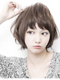 Do you want to change your look instantly? Let's start with your hair first! Please refer 60 lovly short hair style that you can not ignored. Asian Short Hair, Asian Hair, Girl Short Hair, Short Hairstyles For Women, Pretty Hairstyles, Medium Hair Styles, Natural Hair Styles, Shot Hair Styles, Face Hair