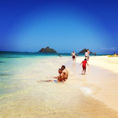 Lanikai, Oahu, Hawaii - beach with the Mokes in the background