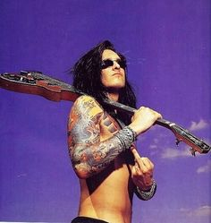 Wonder if he has a license to fly that bird Motley Crue Nikki Sixx, 80s Hair Bands, Vince Neil, Glam Metal, Star Wars, Tommy Lee, Heavy Metal Music, Glam Rock, Art Design
