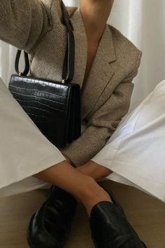Minimal Fashion, Timeless Fashion, Business Chic, Aesthetic Women, Office Looks, Ootd, Winter Outfits, Winter Clothes, Blazer