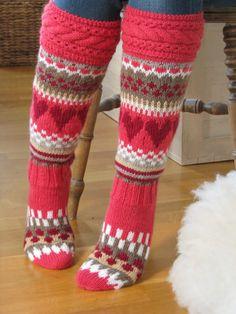 Socks inspired by marimekko Knitting Socks, Knit Socks, Knitting Ideas, Woolen Socks, Thick Socks, Marimekko, Leg Warmers, Handicraft, Mittens