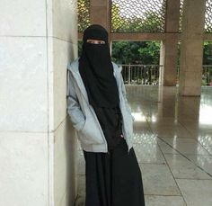 Hijabi Girl, Girl Hijab, Hijab Dpz, Niqab Fashion, Hijab Pins, Hijab Niqab, Muslim Dress, Cute Eyes, Stylish Girl Pic