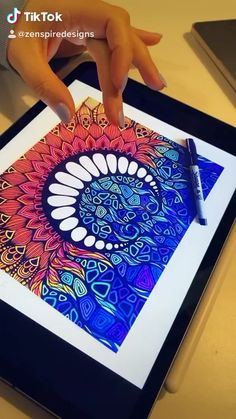 Art Drawings Sketches, Doodle Art, Drawing Ideas, Zentangle, Beach Mat, Outdoor Blanket, Doodles, Knowledge, Pencil