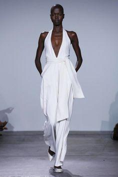 How To Wear A Belt Like A Fashion Girl | The Zoe Report