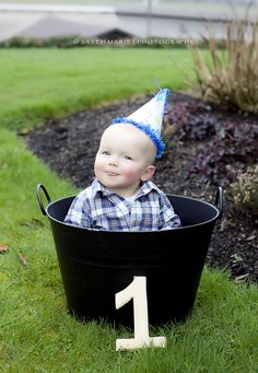 baby boy first birthday picture