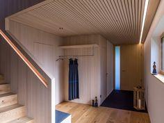 HAUS s egg — ARCHITEKTUR Jürgen Hagspiel Gable House, Amazing Architecture, Stairs, House Design, Outdoor Decor, Eggplant, Furniture, Home Decor, Houses