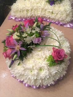 Funeral tribute - based posy pad - white chrysanthemum with flower spray - Seasonal Flowers, Red Flowers, Beautiful Flowers, Flower Box Centerpiece, Centerpieces, Funeral Arrangements, Flower Arrangements, Funeral Caskets, White Chrysanthemum
