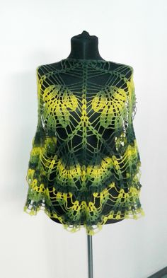 Click to view pattern for - Crochet openwork shawl
