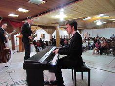 Día 1: En éste municipio se ofrecieron además talleres académicos a los integrantes de la Corporación Musical para el arte y la Cultura de Apía, COMARCA. Jazz Camp 2012, Colombia.