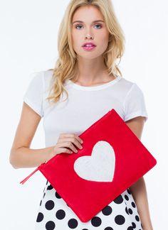 PEDIDOS SOLO POR ENCARGO #GoJane Código: GJBA-58 Heart Of Lace Faux Leather Clutch Color: Red Precio: ₡26.500 ($49,35)  Información y consultas llamar al teléfono 8963-3317, escribir al inbox o al email maya.boutique@hotmail.com.