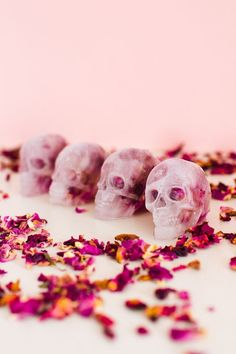 DIY SKULL ICE CUBES WITH EDIBLE ROSE PETALS