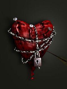 Broken Heart -- Caught in own pain I Love Heart, Key To My Heart, Heart Art, Samuels Jewelers, Chain Tattoo, Follow Your Heart, Love Symbols, Quran, Heart Shapes