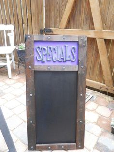 Custom SPECIALS board for your #bar!