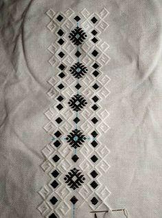 Embroidery Motifs, Weaving, Model, Needlepoint, Needlepoint Patterns, Scale Model, Loom Weaving, Crocheting