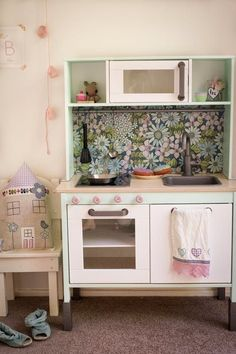 There are many ways to hack and customize the IKEA play kitchen into something with more personality and charm. Check out these doable, diy tweaks.