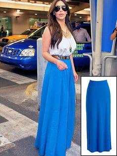 KIM KARDASHIAN    Las faldas tipo maxi son un must-have para esta temporada. Kim portó una en azul de la diseñadora Rachel Zoe, que cuesta $495. Copia su look por sólo $24.94 con ésta que encontramos en OldNavy.com.