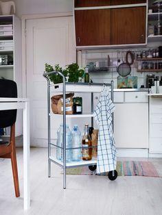 Ikea trolley for the kitchen Ikea Kitchen, Kitchen Cart, Kitchen Storage, Kitchen Dining, Kitchen Ideas, Ikea Trolley, Ikea Cart, Ikea Bygel, Ikea Interior