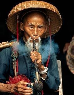 Chinese man with pipe We Are The World, People Of The World, Chinese Man, China Art, Chinese Culture, Interesting Faces, Artistic Photography, Photo Library, World Cultures